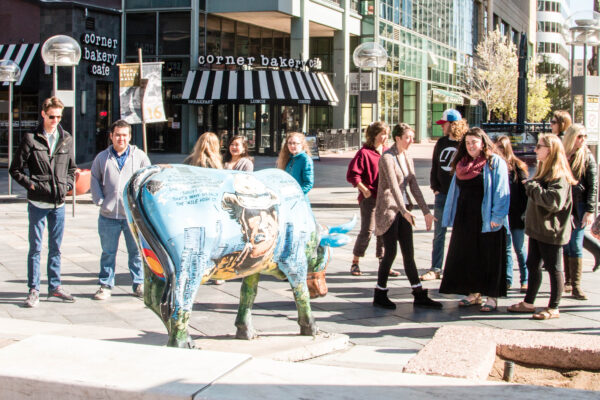 Honors students explore Denver art scene