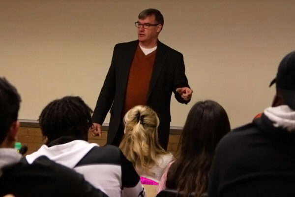 Author, accomplished sociologist Jay MacLeod visits Western