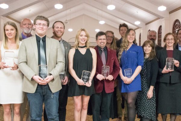 Eight graduating seniors honored with Alumni Award for Excellence