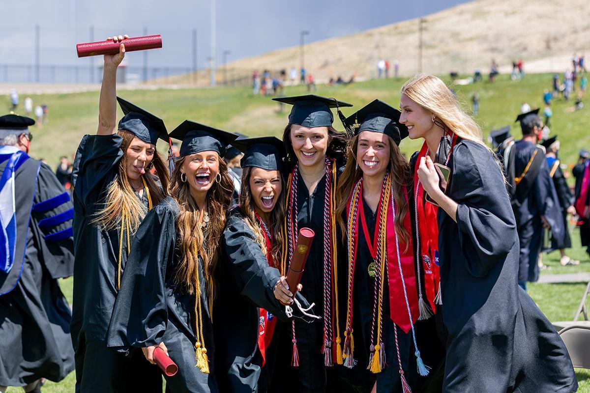 2021 graduates celebrating
